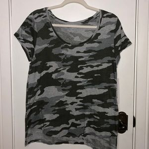 NWT Workshop size Med. camouflaged tee shirt